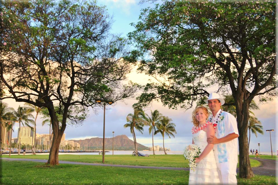Weddings at Ala Moana Beach