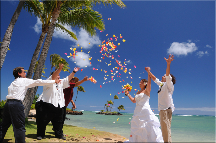 Deluxe wedding packages at bridal dream hawaii deluxe wedding packages by bridal dream hawaii junglespirit Images