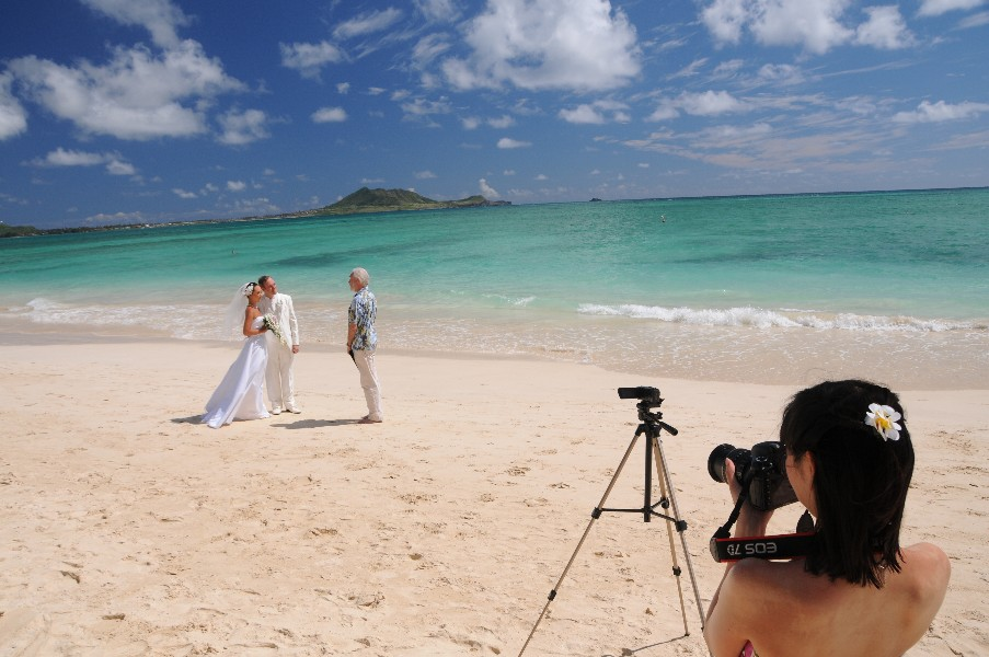 Kailua Beach Wedding Pics and Packages